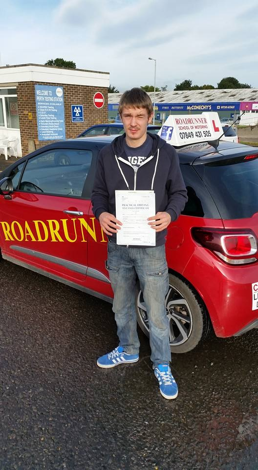 Driving Lessons Kinross, Driving Lessons Milnathort, Driving Instructor Kinross, Driving Instructor Milnathort